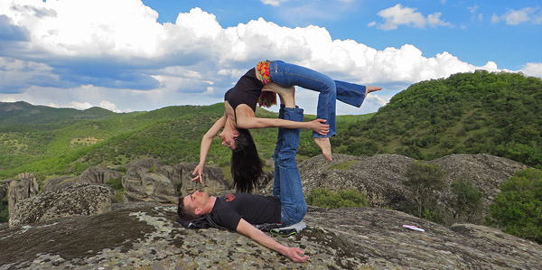 Acro Yoga in Meteora
